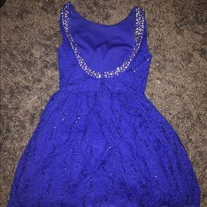 Hoco dress fits like a 6